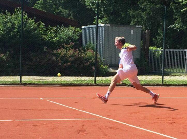 1. Herren 40 gewinnen Tennis-Krimi
